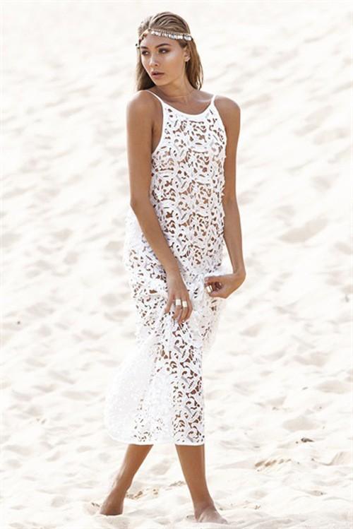 752506052d Sukienka ażurowa koronkowa na plażę biała MODITO